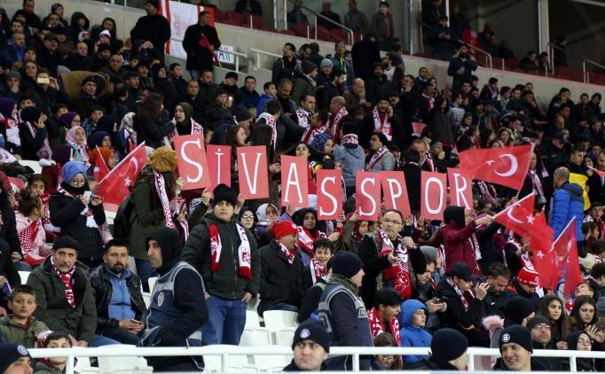 Sivasspor'da hakem isyanı: 'O kadar düdük çaldı ki...'