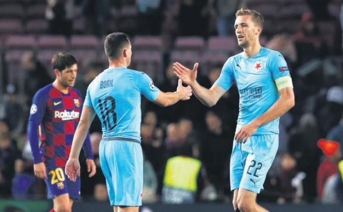 Az parayla çok iş yaptılar; Slavia Prag