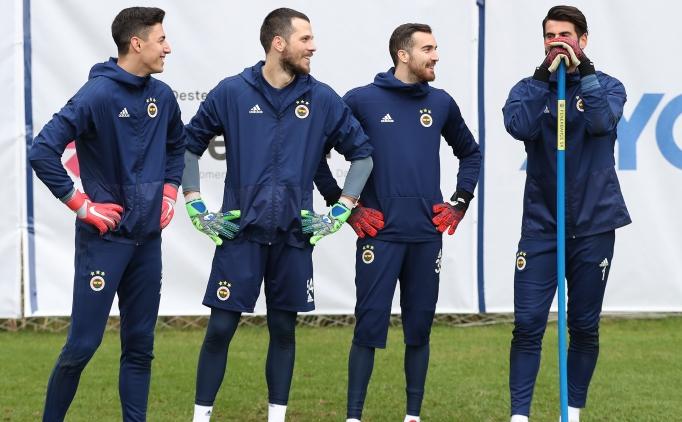 Fenerbahçe'de 1 yıllık imza kararı!