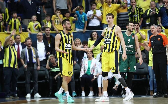 Fenerbahçe Beko'da Vesely ve Kalinic sevinci!
