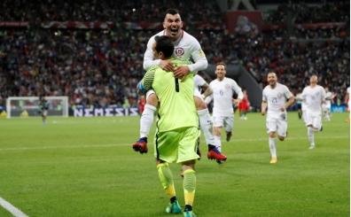 Şili Claudio Bravo ile finalde! Portekiz'i devirdiler