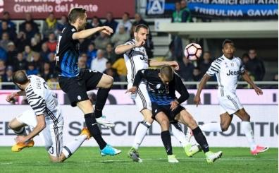 Juventus deplasmanda takıldı! Atalanta...