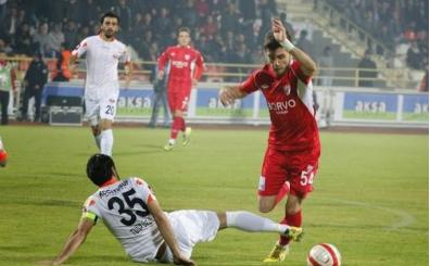 Sivasspor, Emre Kılınç'ı kadrosuna kattı