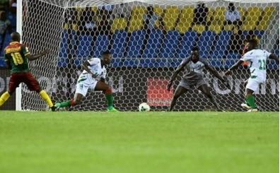 Kamerun 2 golle geri döndü! Lider...