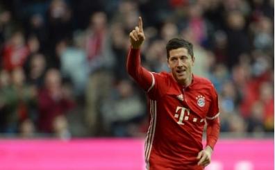 Robert Lewandowski'nin menajerinden transfer açıklaması!
