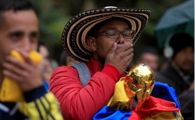 Kolombiyalı taraftarın stada dürbün sokup içki içmesi işinden etti!