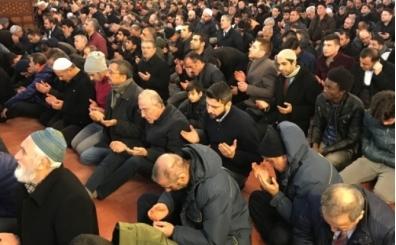 Müslümanlar için Cuma mesajları, Facebook, twitter için Cuma paylaşımları