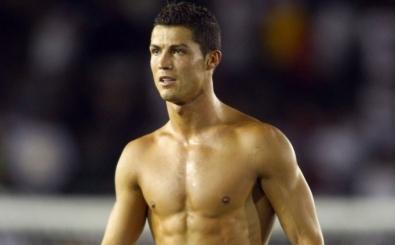 Cristiano Ronaldo: ''Formamı çıkartınca kadınlar iyi olduğumu söylüyor''