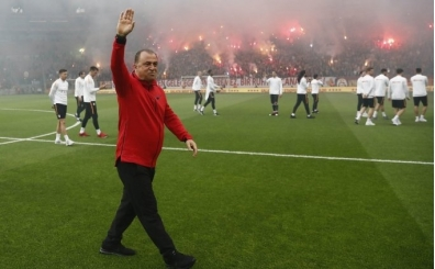 Galatasaray'da Fenerbahçe maçı sonrasındaki sevincin nedeni;  Şampiyonluk havası!