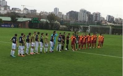 Günün ilk derbisinde Fenerbahçe, Galatasaray'ı devirdi