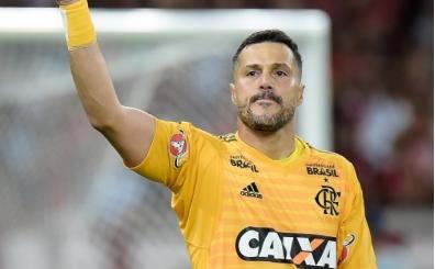 Julio Cesar futbolu bıraktı!