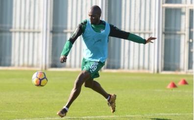 Bursaspor'da Moussa Sow, Başakşehir maçına hazır