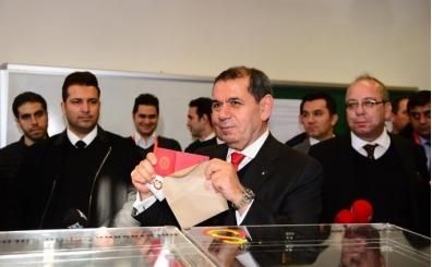 Dursun Özbek maaşları ödeyerek veda etti