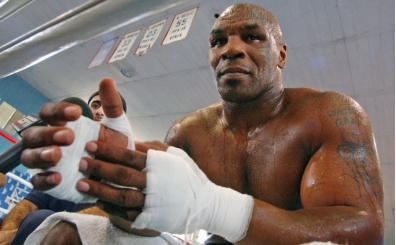 Mike Tyson - Roy Jones maçı berabere bitti