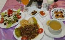 Bugün Ne Pişirsem En Kolay Ramazan Iftar Menüsü Tarifleri Iftarda
