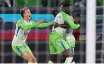 Wolfsburg yeni hocasıyla 2 puan kaybetti