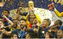 Fransız basını, kupaya sevindi ama 'puanları' vermedi!