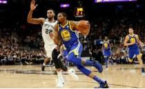 Golden State Warriors'tan Spurs'e izin yok!