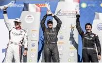 Red Bull Air Race'in Fransa etabının kazananı belli oldu