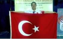 Görme engelli Nur Sultan Uzuğ'dan dünya rekoru!