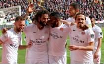Antalyaspor 3 puan hasretini Sivas'ta bitirdi