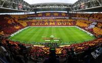 ...Ve Galatasaray taraftarından derbiye özel yeni bir şov daha!