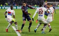 Lyon, lider PSG'yi 90+-4'te nakavt etti!