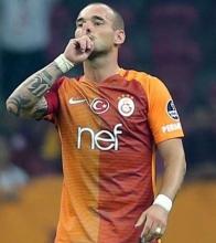 G.Saray'da 'dönerim' diyen Sneijder'e cevap