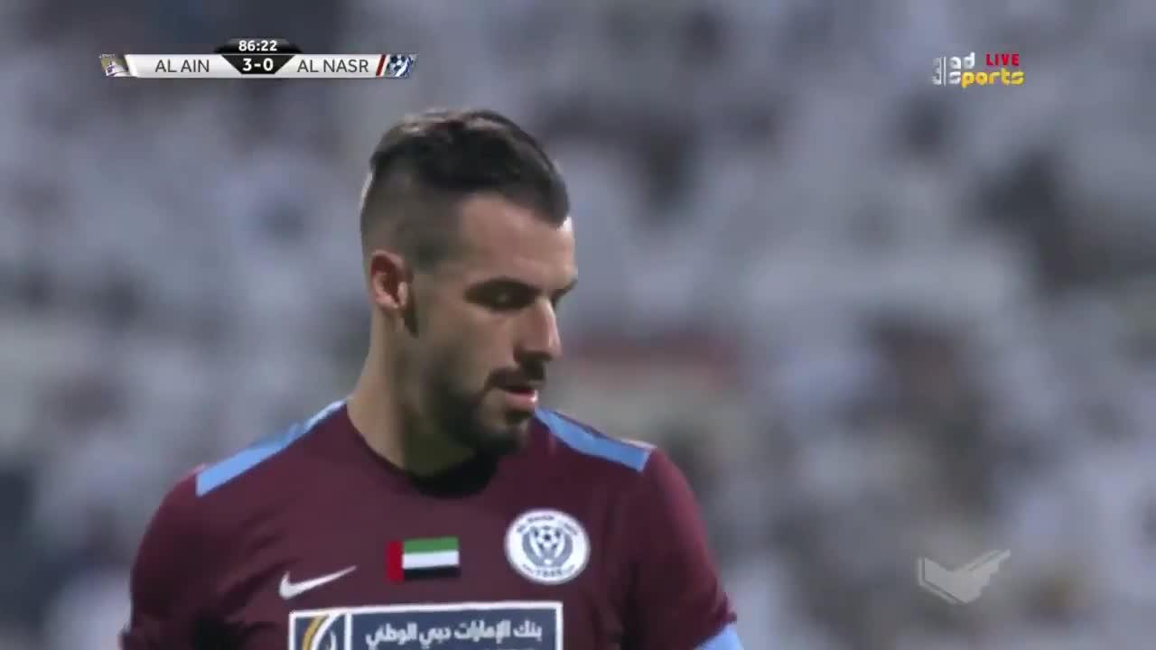 İZLE | Negredo ilk maçta penaltı kaçırdı!